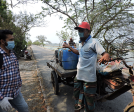 Interviews with a water vendor during the COVID19 pandemic in Polder 29, Khulna, Coastal Bangladesh. Credit: REACH Field Officer