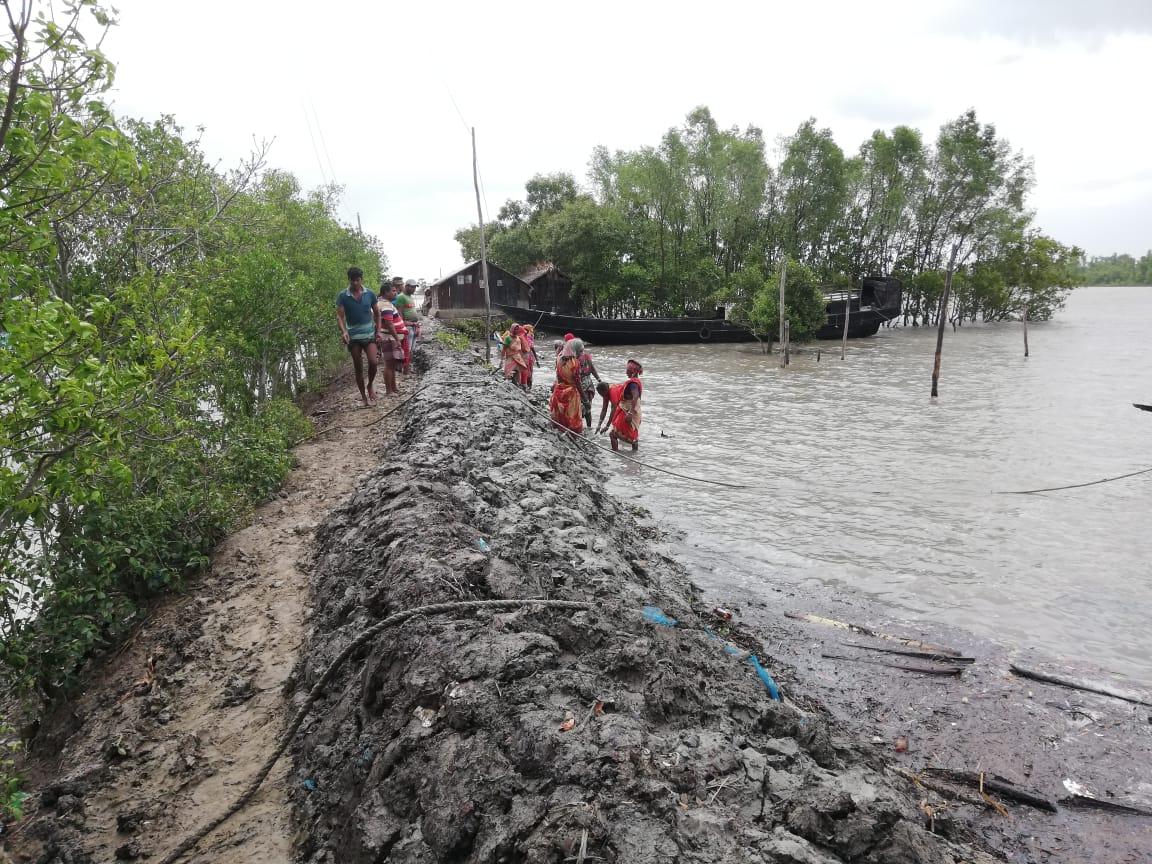 Image of cyclone Yaas (May 2021) hitting coastal Bangladesh. Photo credit: Lutfor Rahman